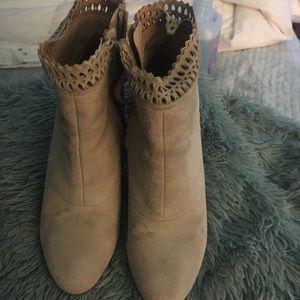 Joes 7 heeled boots 👢worn